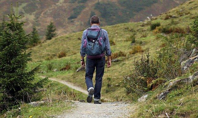 Quelques astuces pour bien réussir une randonnée pédestre